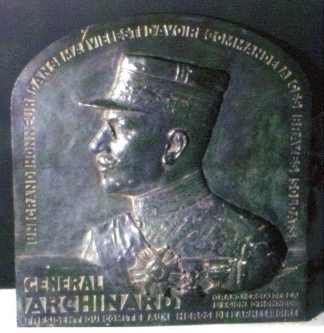 plaque-bronze-archinard.jpg